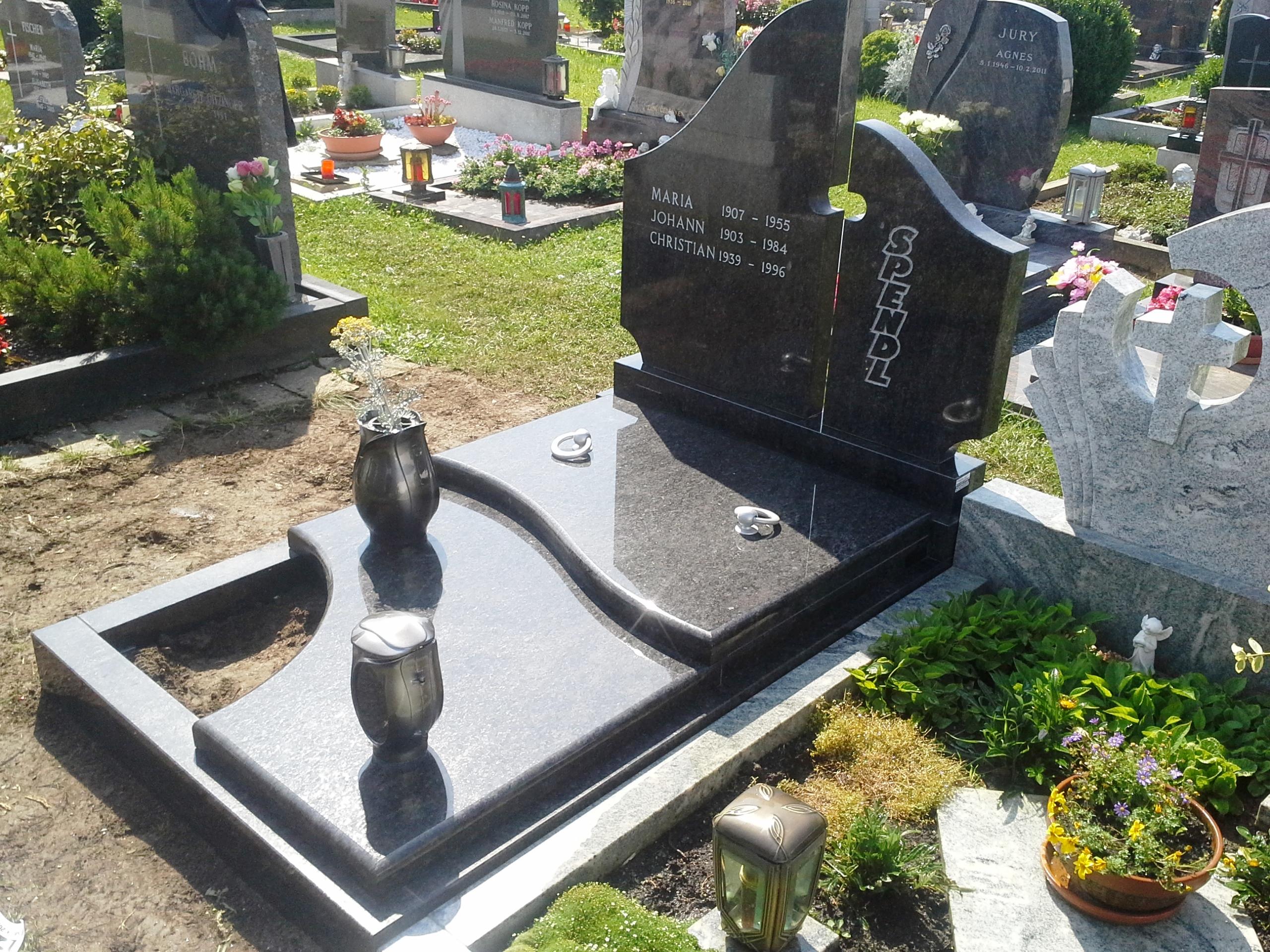 Enojni nagrobnik 3