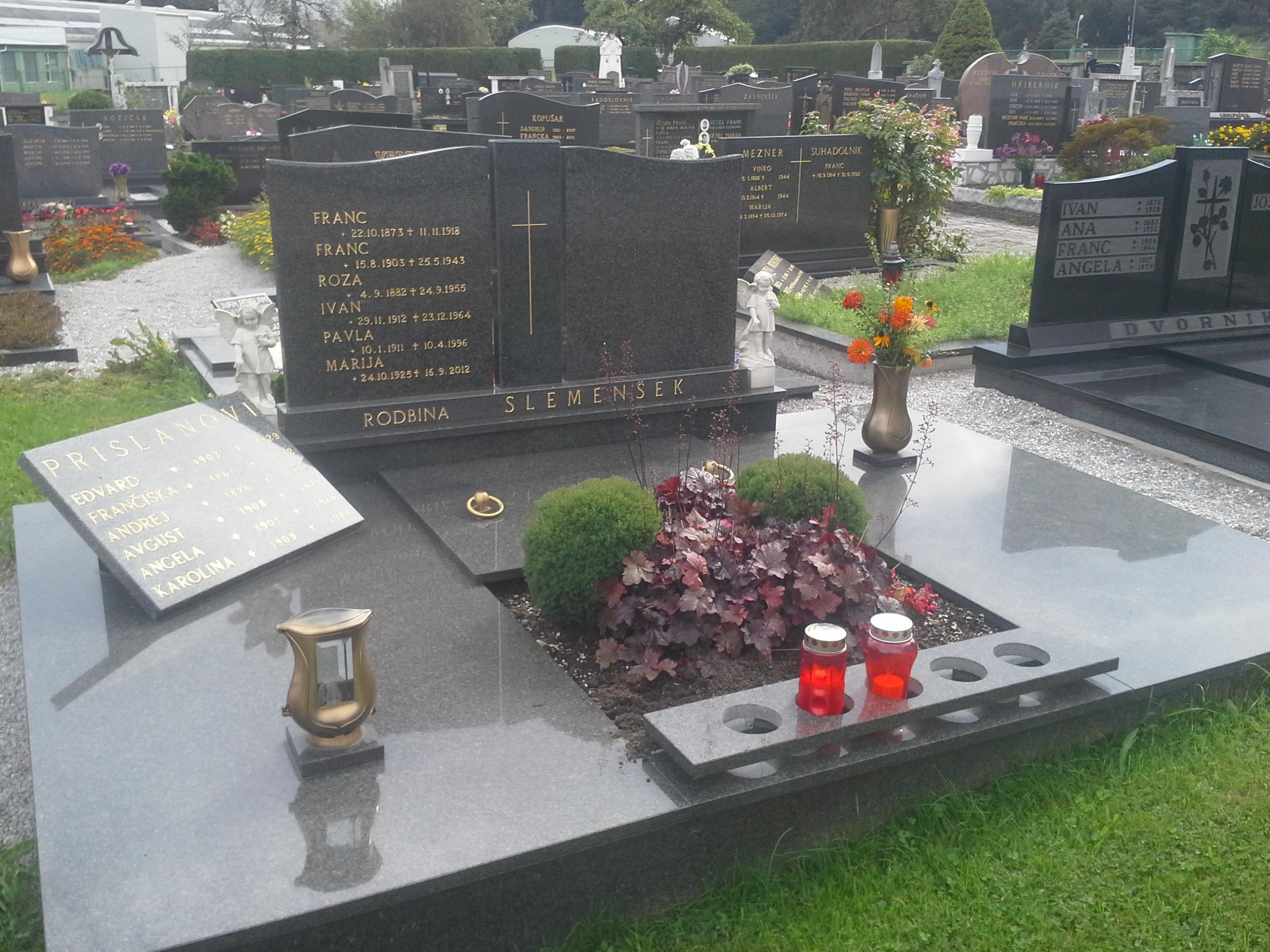 Družinski nagrobnik 5