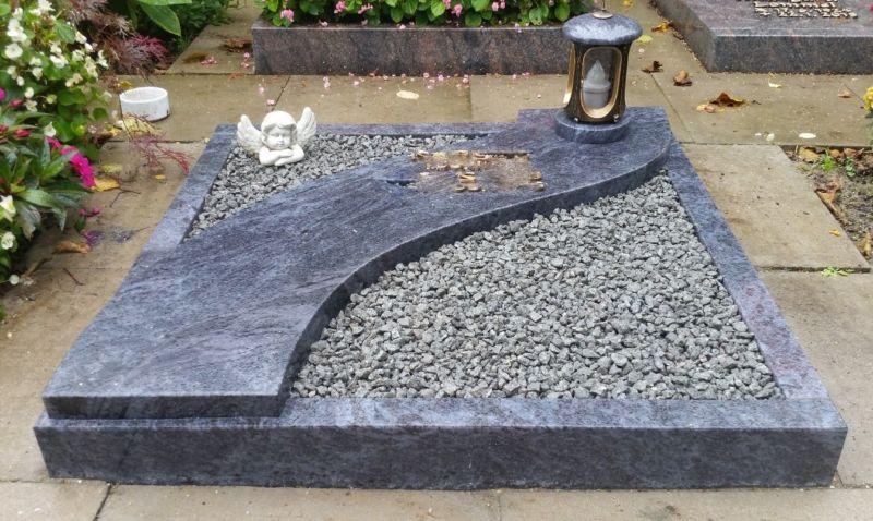 Žarni nagrobnik 17