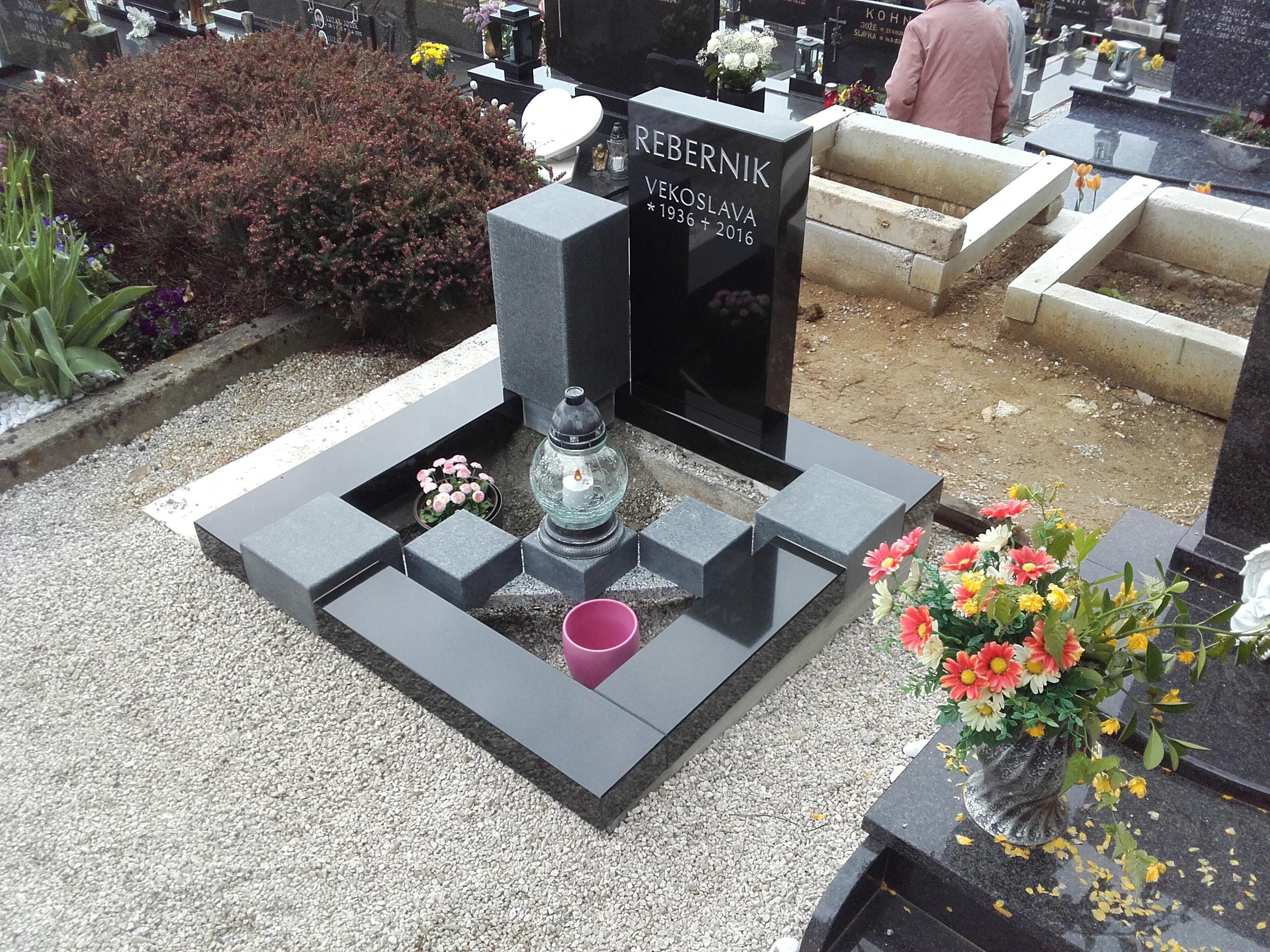 Žarni nagrobnik 2
