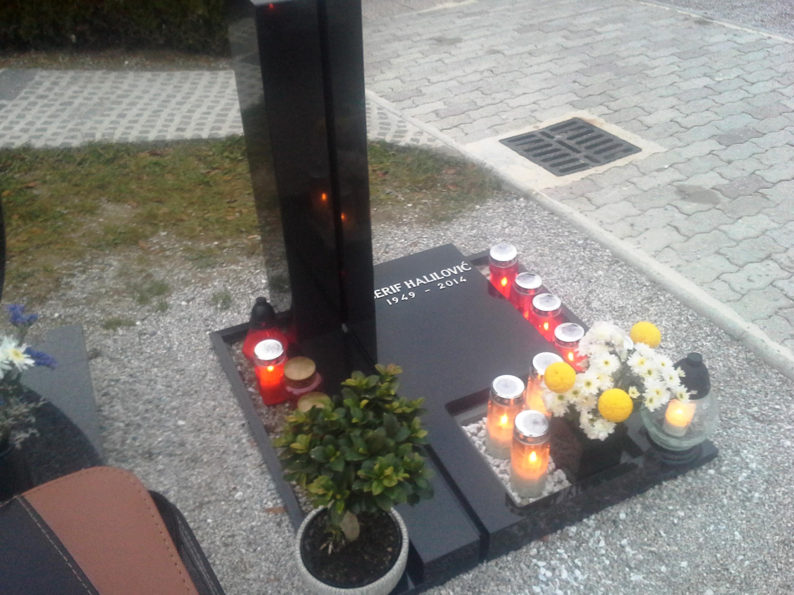 Žarni nagrobnik 5