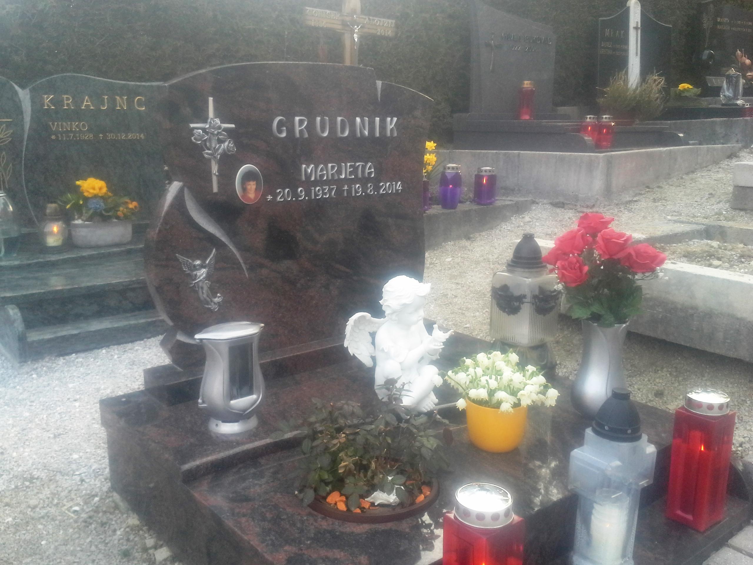 Žarni nagrobnik 6